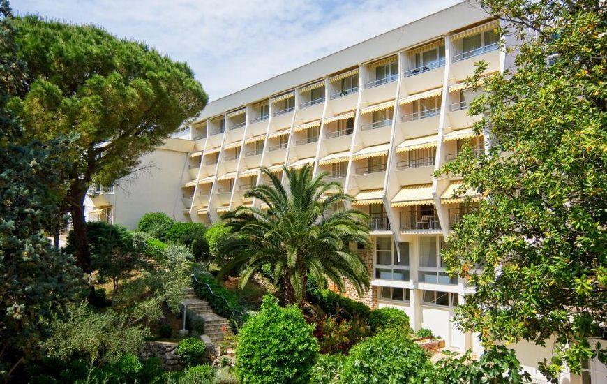 Hotel-Kimen-Cres-Ljetovanje-na-Jadranu-izgled-hotela-izvana-870x550