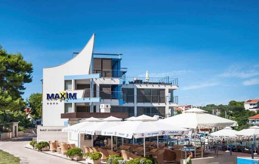 Hotel-Maxim-Bozava-870x550