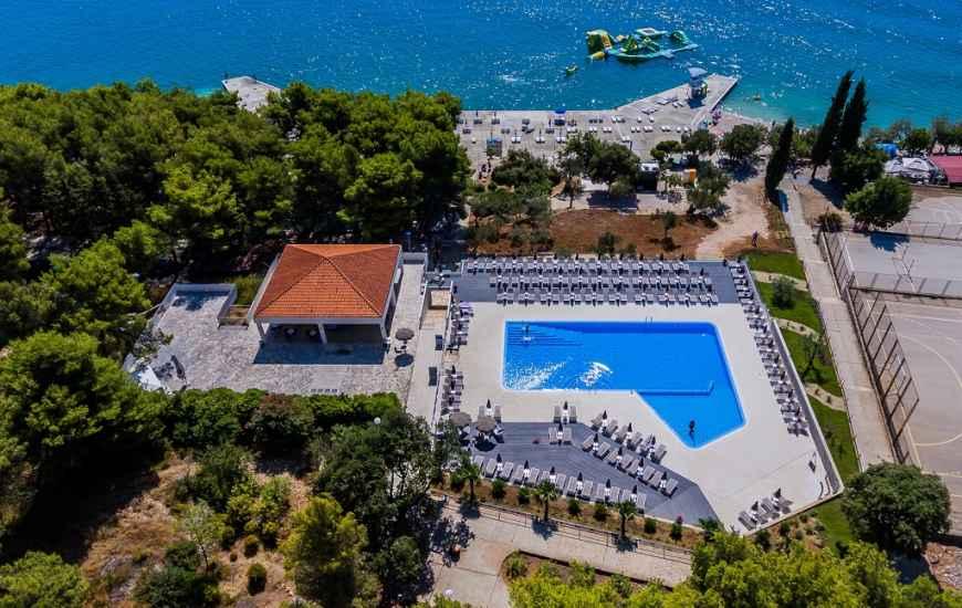 Hotel-Medena-Seget-Donji-bazen-870x550