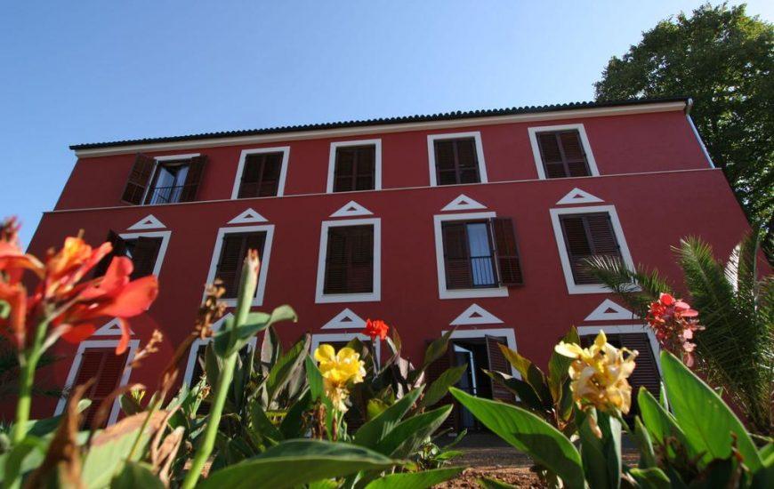 Hotel-Villa-Donat-Ljetovanje-u-Sv.-Filipu-i-Jakovu-slika-eksteriojera-hotela-870x550