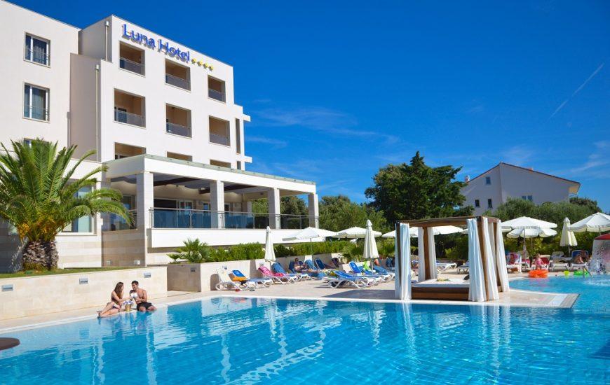 La-Luna-hotel-Jakisnica-Pag-870x550