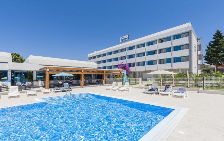 Ljetovanje-Biograd-Hotel-Bolero-vanjski-bazen-8-870x550