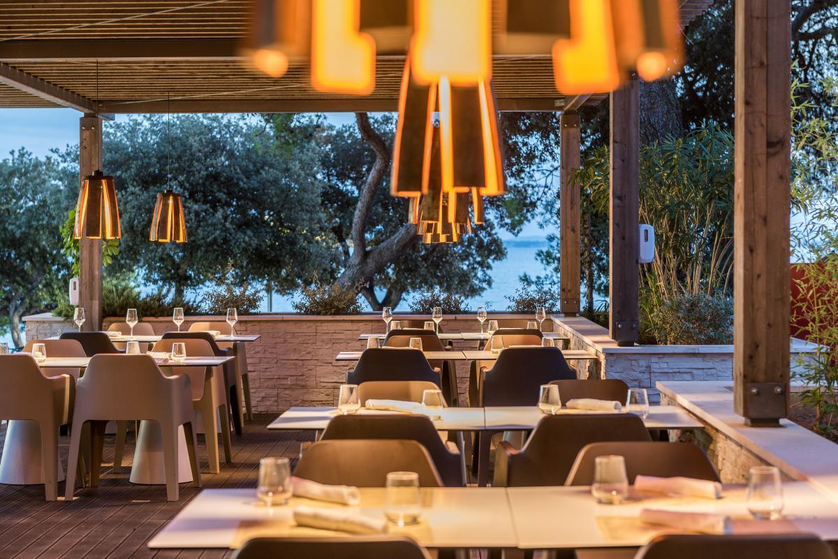 08_Hotel_Pinija_Restaurant_Kantun