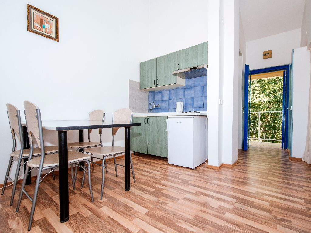 Apartmani-Croatia-Ljetovanje-na-Jadranu-C4-kuhinja-dnevni-boravak
