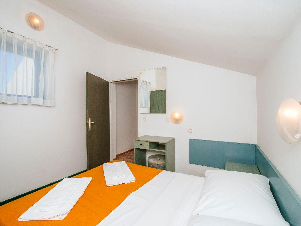 Apartmani-Croatia-Ljetovanje-na-Jadranu-E6-apartman-na-kat-1