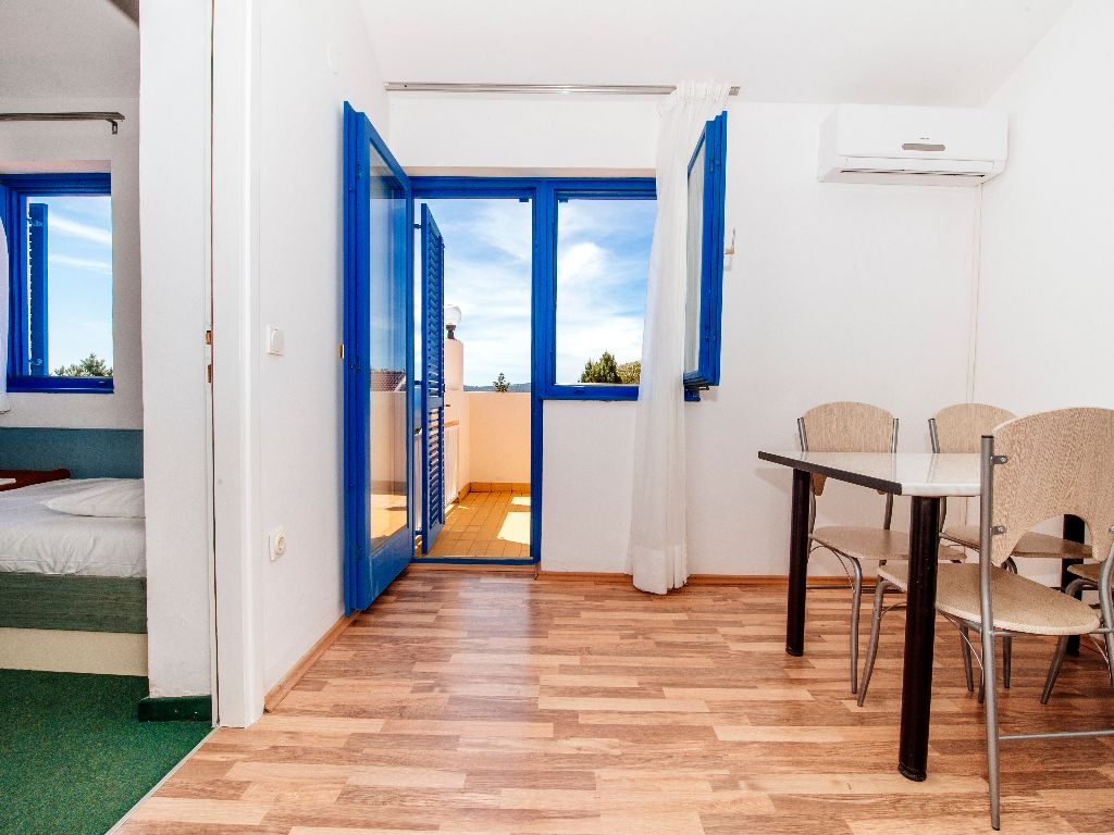 Apartmani-Croatia-Ljetovanje-na-Jadranu-soba2