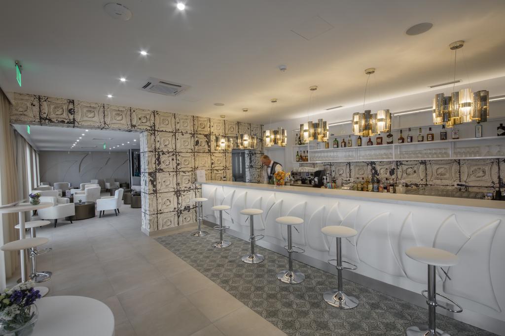 Hotel-Bellevue-Orebic-bar