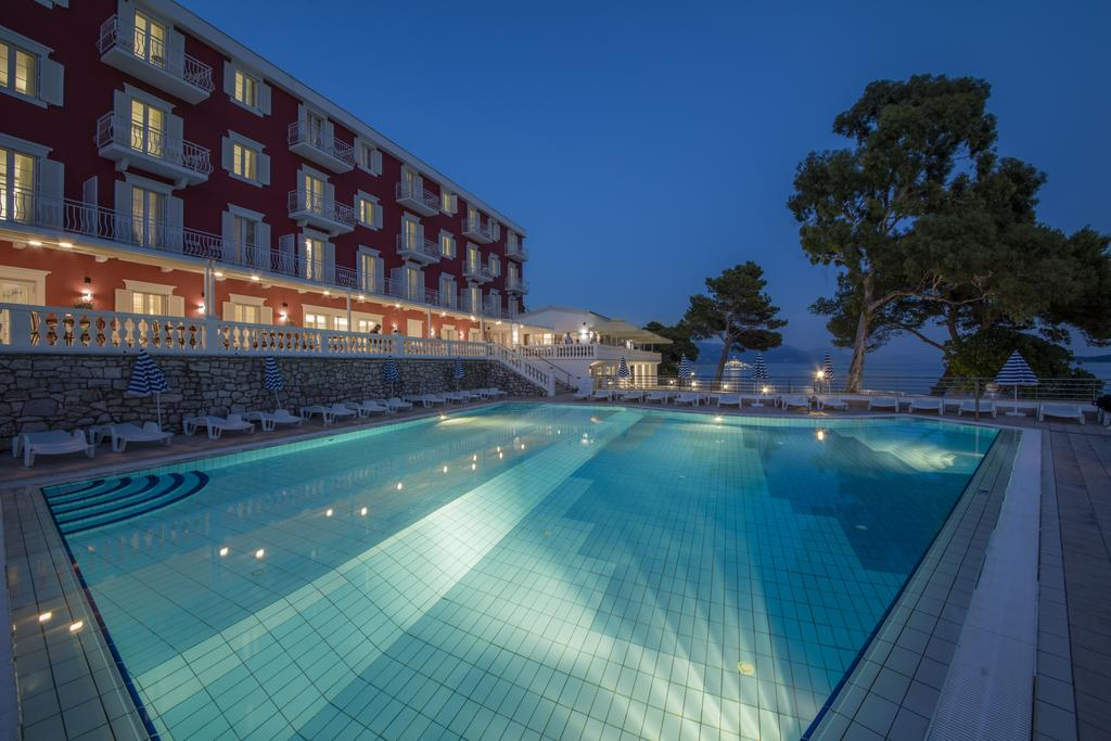 Hotel-Bellevue-Orebic-bazen