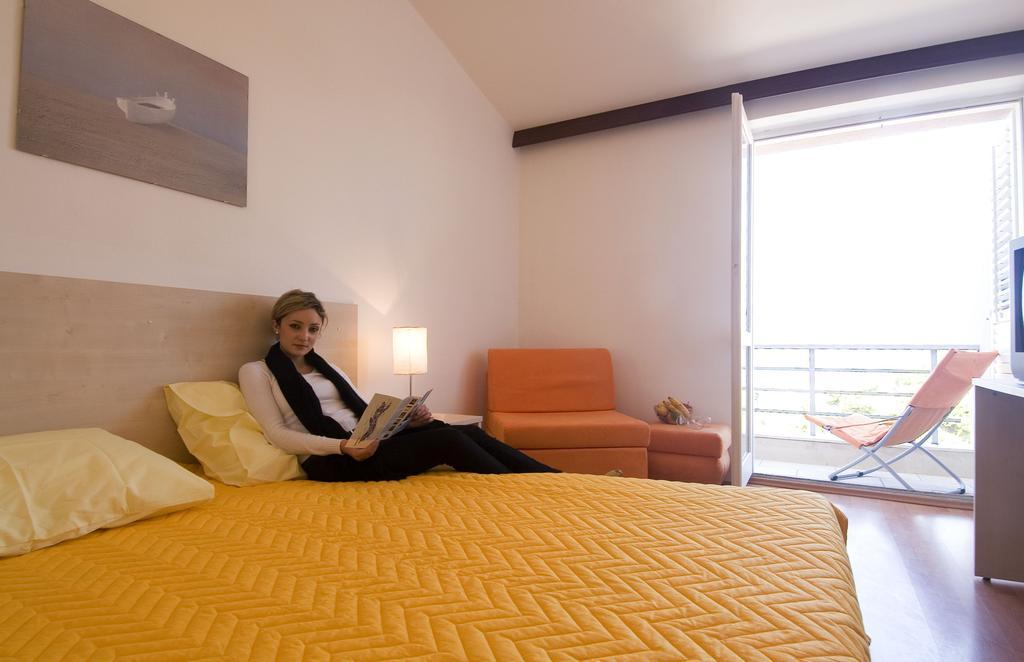 Hotel-Borik-Lumbarda-3