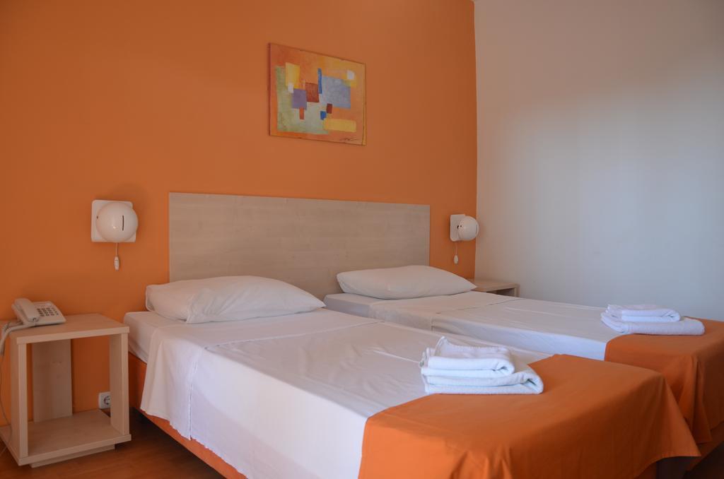 Hotel-Borik-Lumbarda-soba