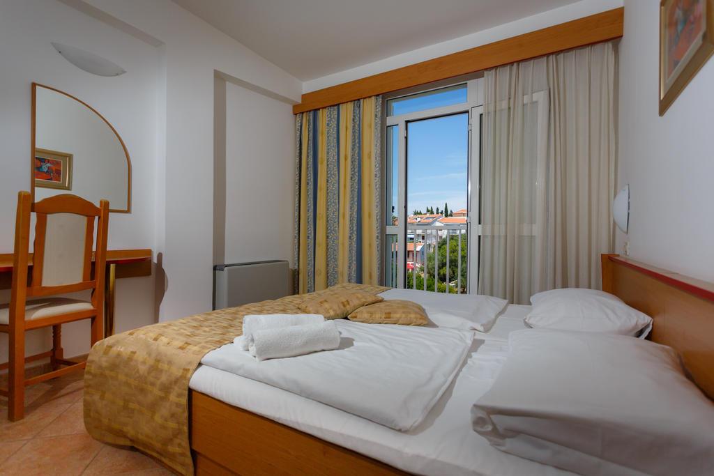 Hotel-Drazica-Krk-soba-1