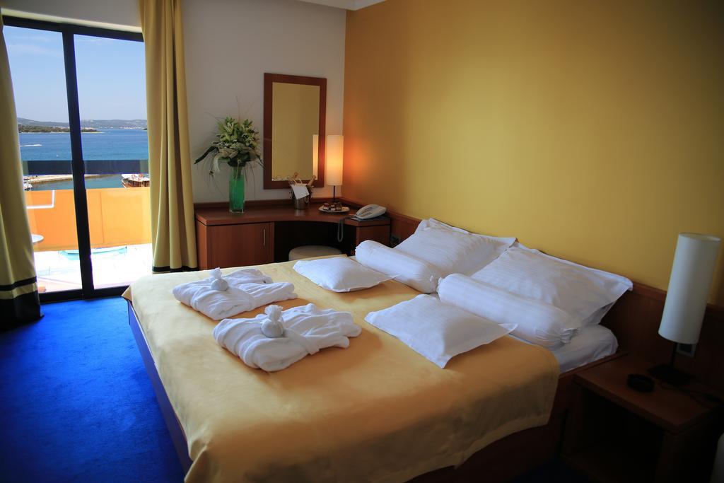 Hotel-Ilirija-Ljetovanje-u-Biogradu-soba-2