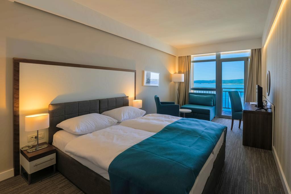 Hotel-Katarina-Selce-Ljetovanje-na-Jadranu-soba