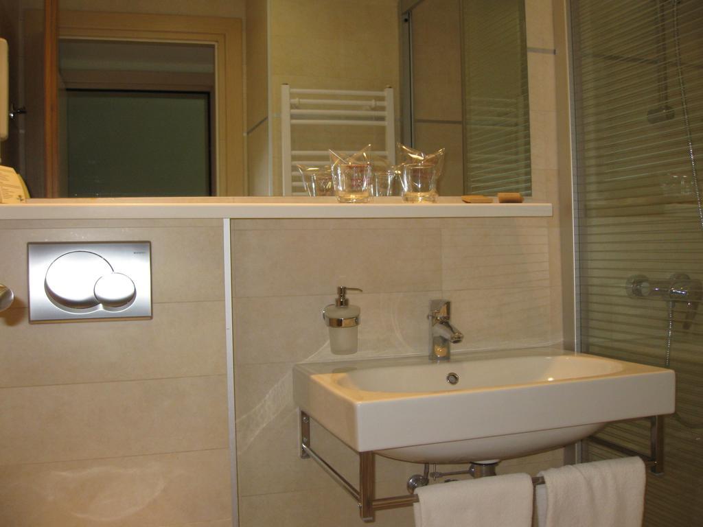 Hotel-Kimen-Cres-Ljetovanje-na-Jadranu-kupaonica2