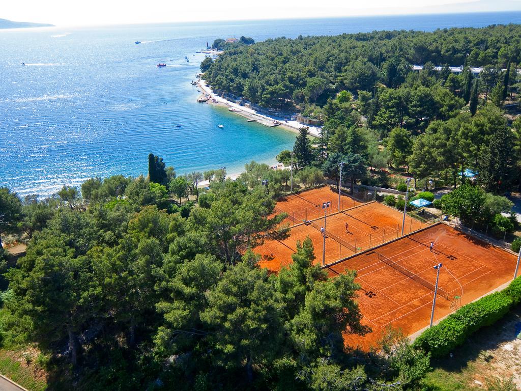 Hotel-Kimen-Cres-Ljetovanje-na-Jadranu-teniski-tereni