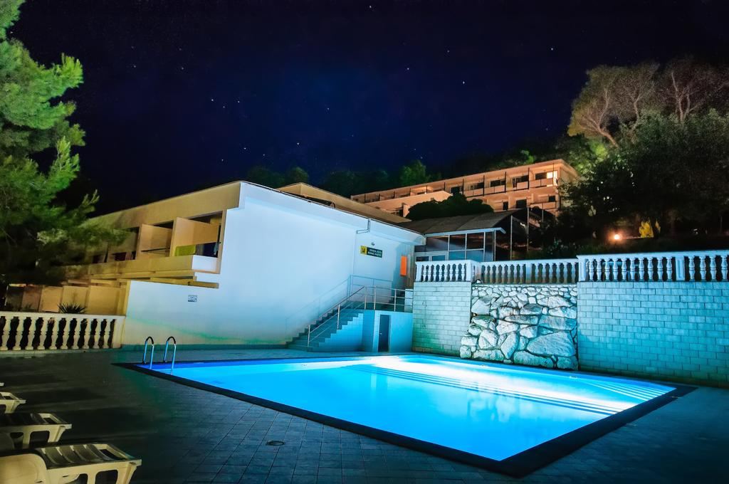Hotel-Lavanda-Bozava-bazen