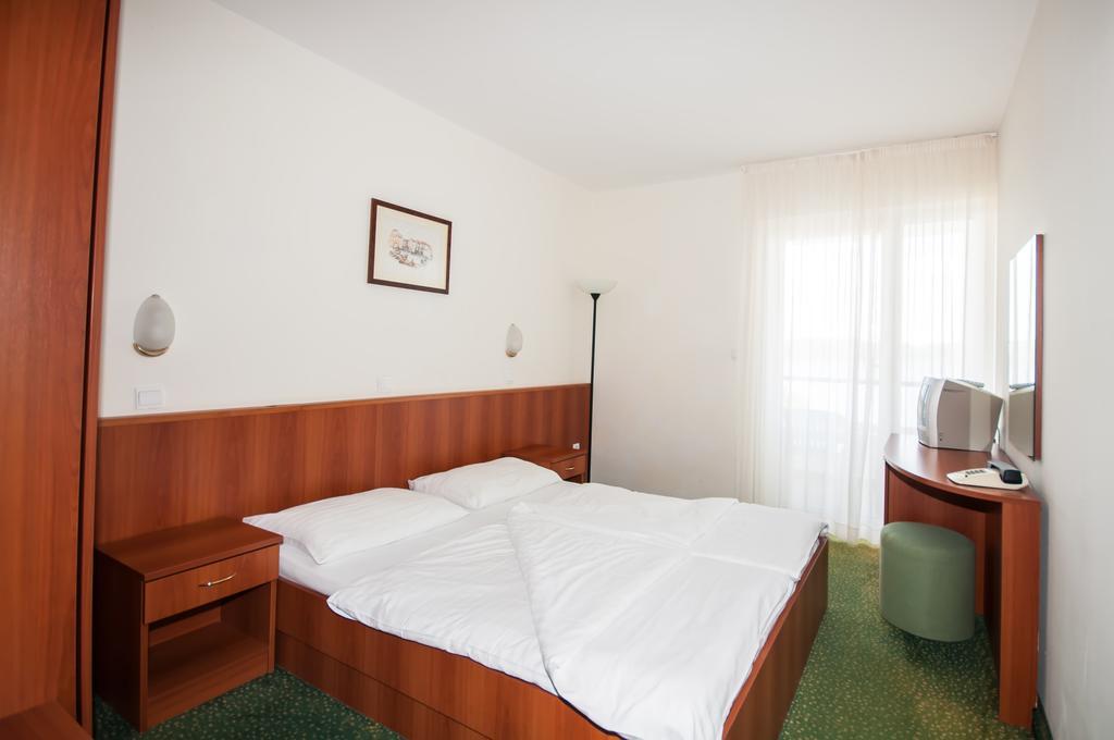 Hotel-Lavanda-Bozava-soba-1