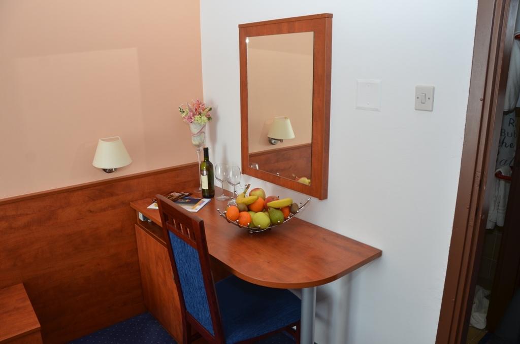 Hotel-Liberty-Pag-Standard-soba-11