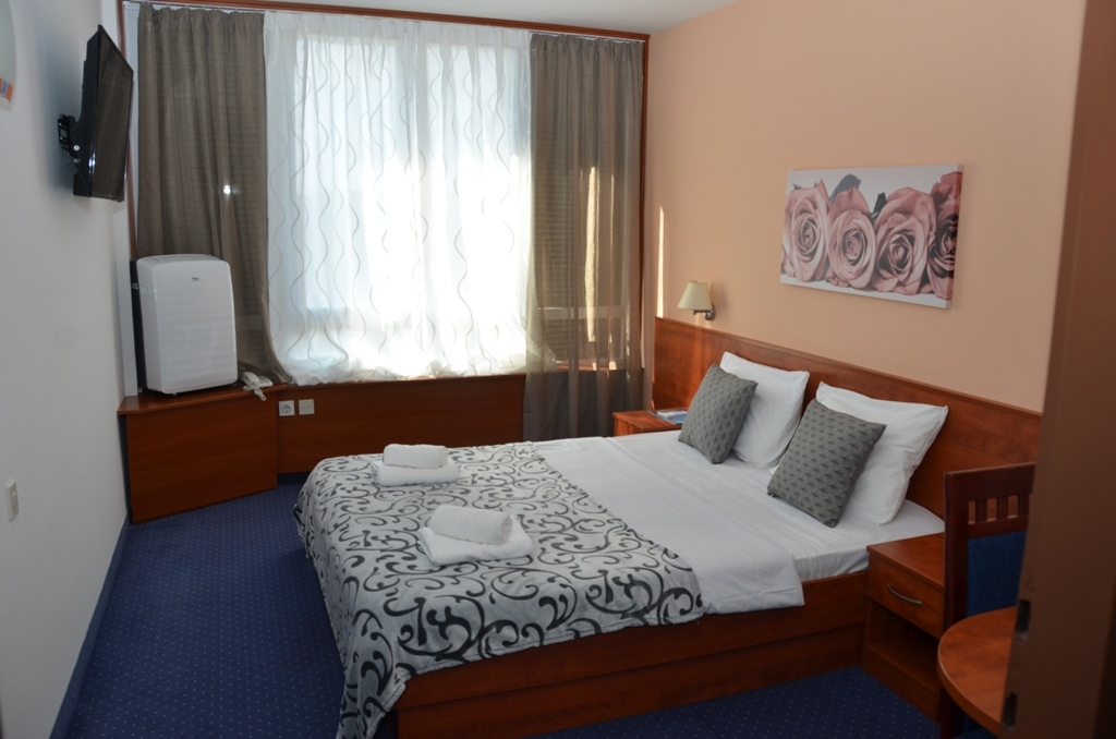 Hotel-Liberty-Pag-Standard-soba-15