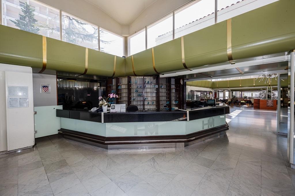 Hotel-Medena-Seget-Donji-recepcija