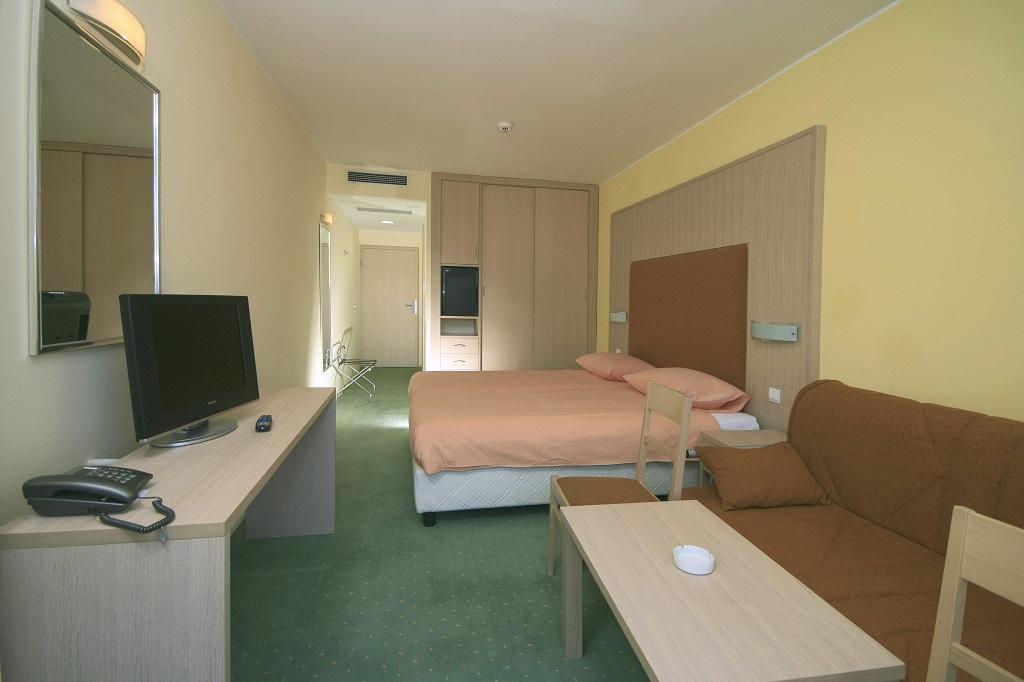 Hotel-Medena-Seget-Donji-superior-franc-balkon