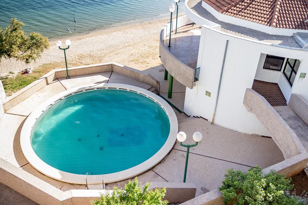 Hotel-Miran-Pirovac-bazen