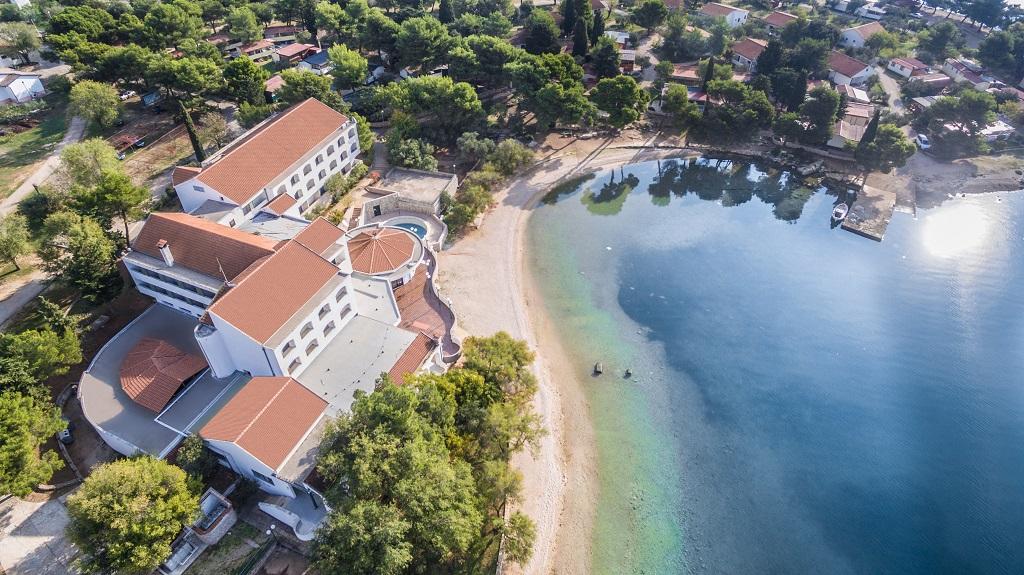 Hotel-Miran-Pirovac1