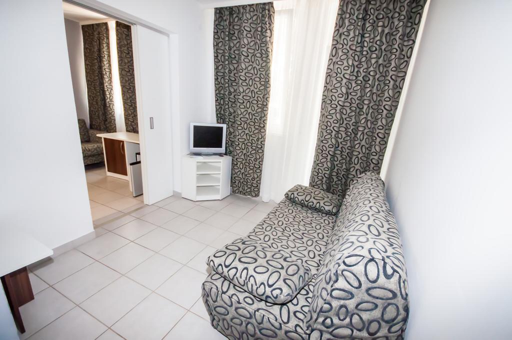 Hotel-Mirta-Bozava-soba-1