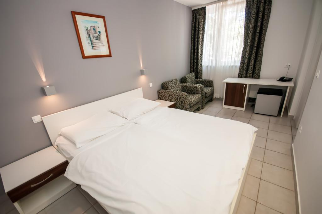 Hotel-Mirta-Bozava-soba