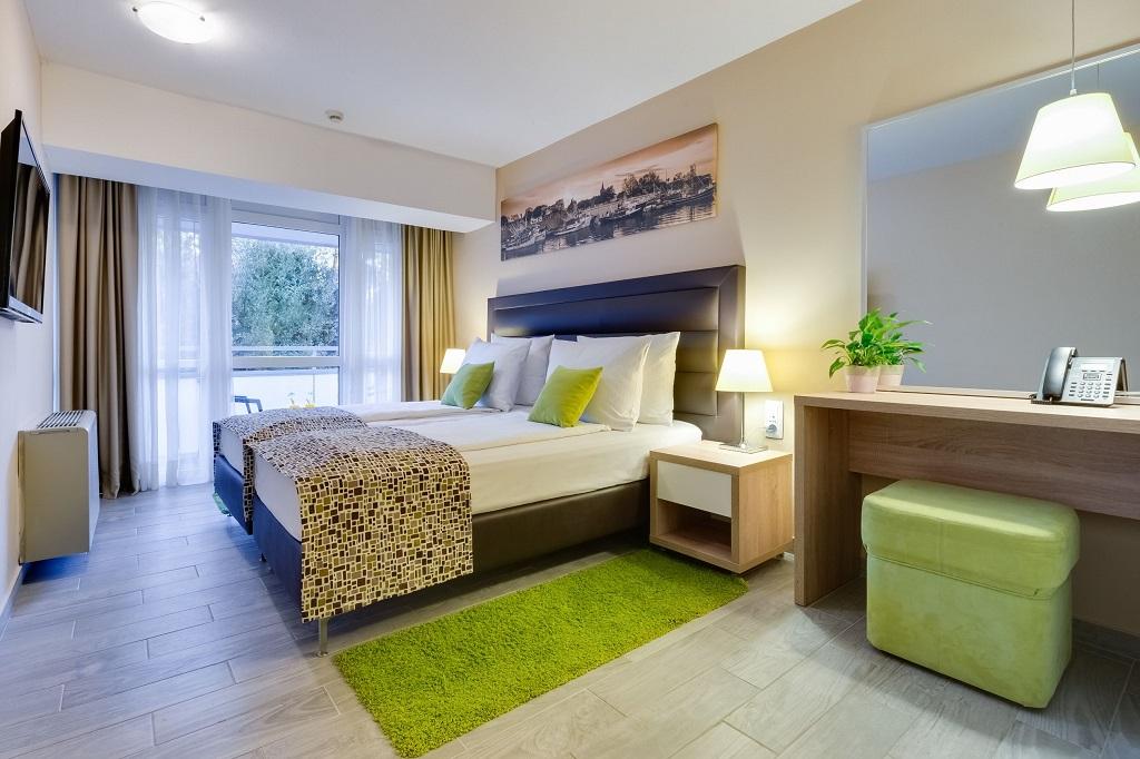 Hotel-Pinija-Petrcane-soba