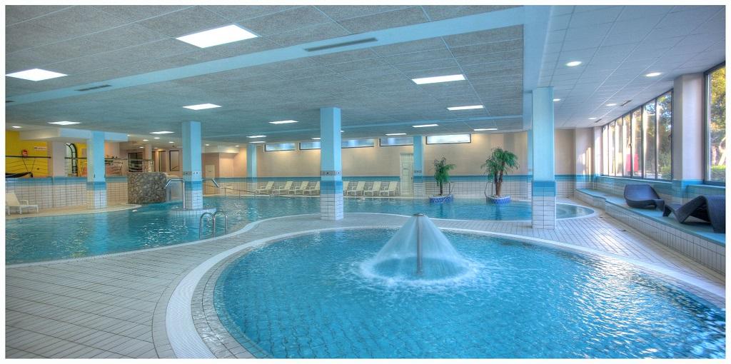 Hotel-Pinija-Petrcane-unutarnji-bazen
