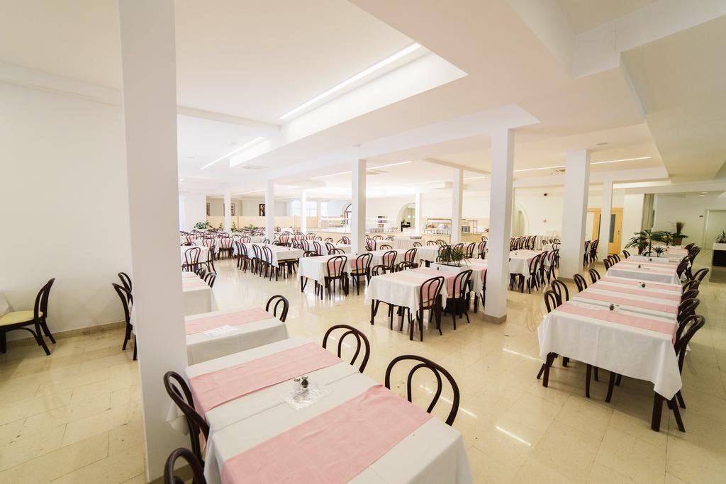 Hotel-Slaven-Selce-Ljetovanje-na-Jadranu-restoran-6