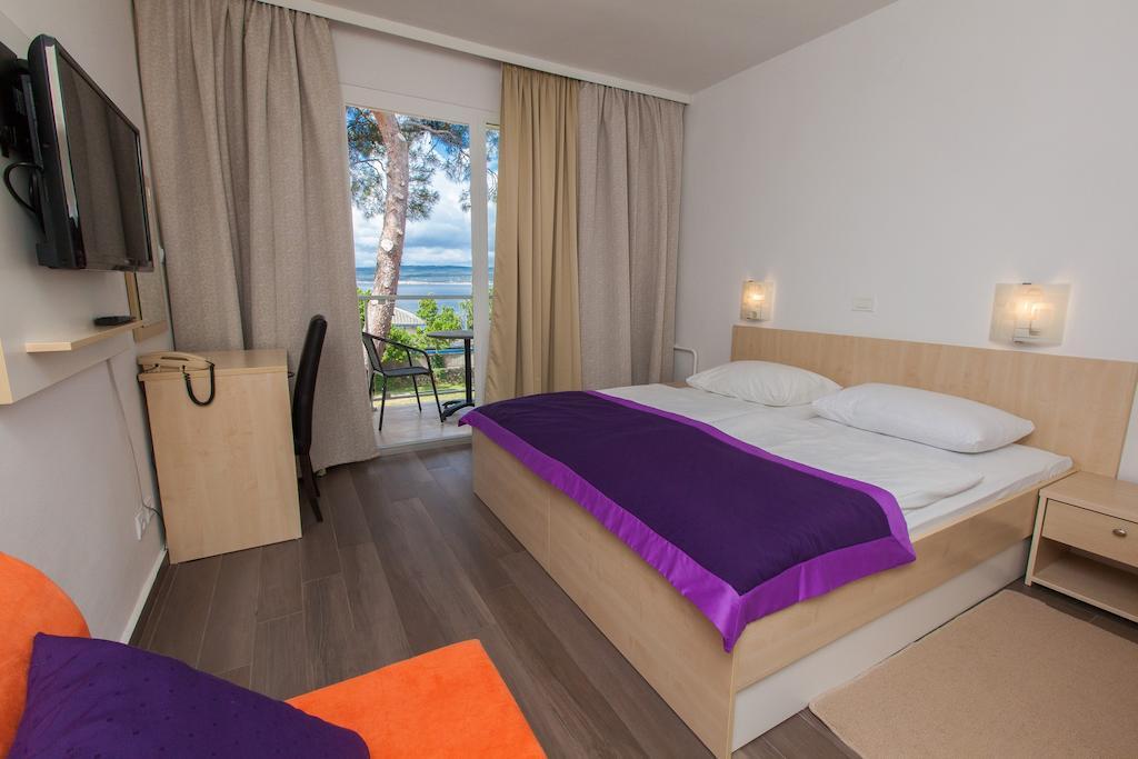 Hotel-Slaven-Selce-Ljetovanje-na-Jadranu-soba3