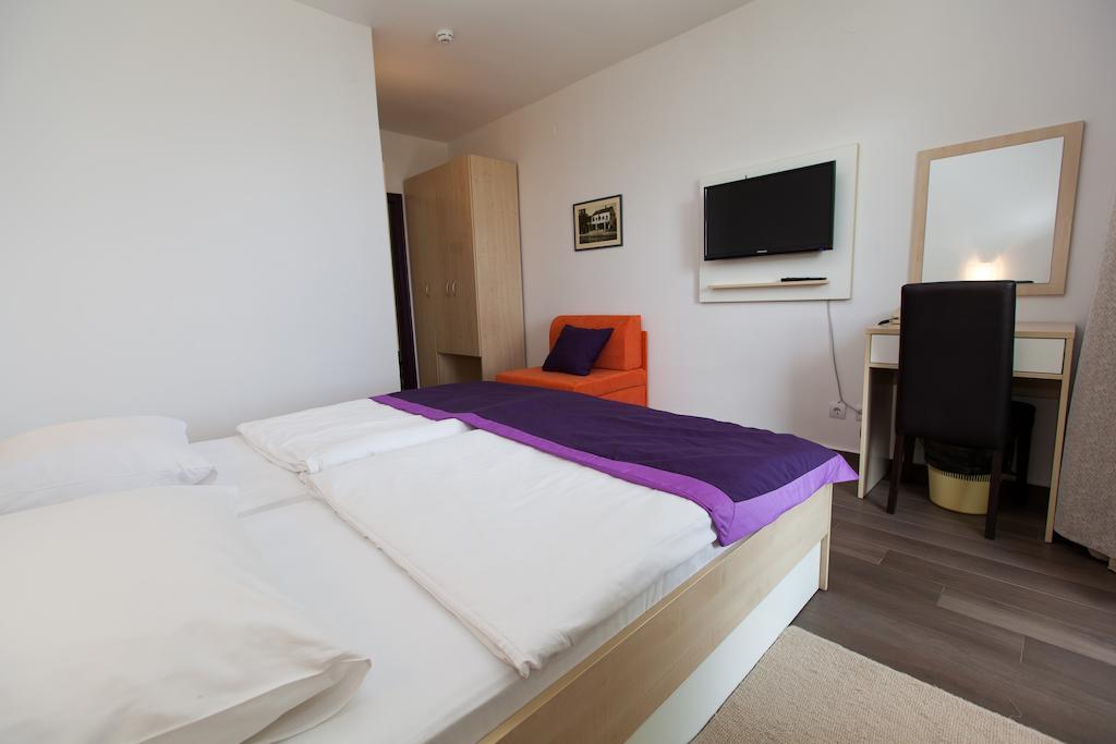 Hotel-Slaven-Selce-Ljetovanje-na-Jadranu-soba5