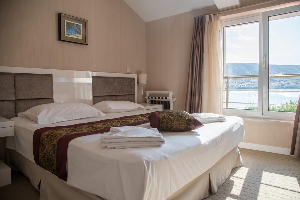 Hotel-Smokva-Pag-soba