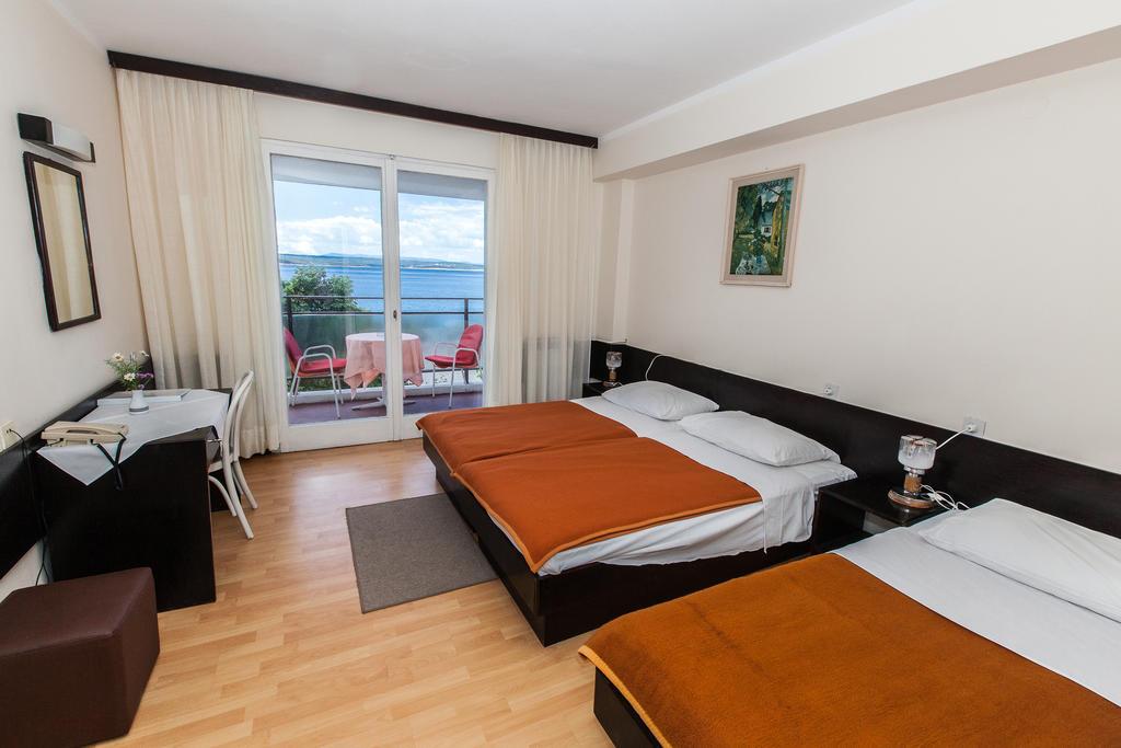 Hotel-Zagreb-Ljetovanje-na-Jadranu-Crikvenica-soba2