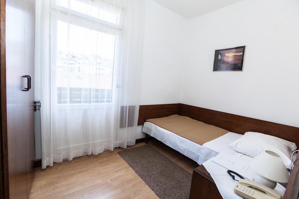Hotel-Zagreb-Ljetovanje-na-Jadranu-Crikvenica-soba8