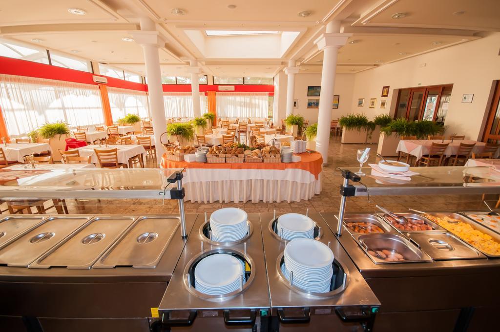 Hoteli-Bozava-restoran-2
