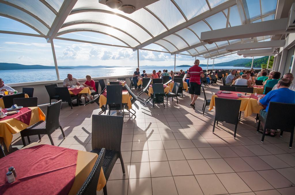 Hoteli-Bozava-restoran