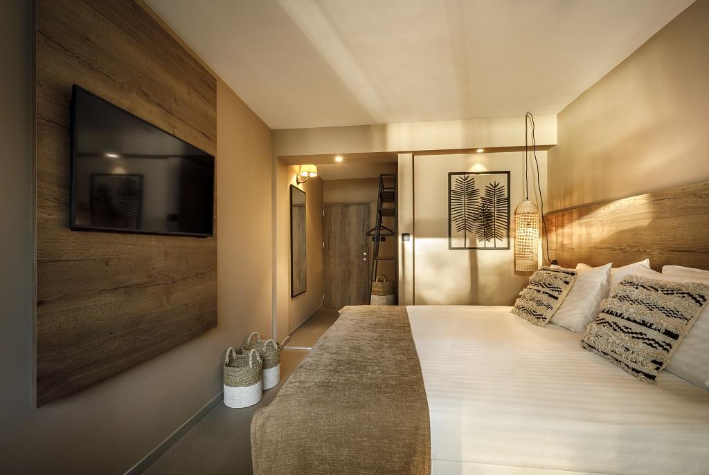 Hvar_Lavanda-Sunny-Hotel-Classic-room_balcony_seaside_01