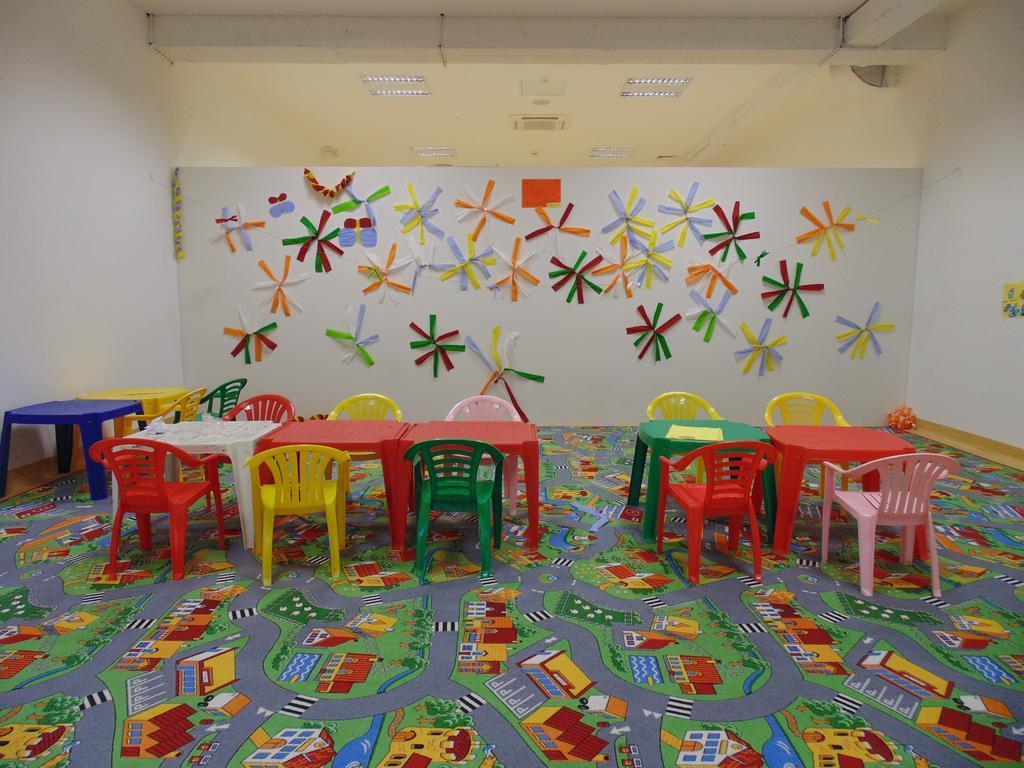 Ljetovanje-Biograd-Hotel-Adria-igraonica-za-djecu