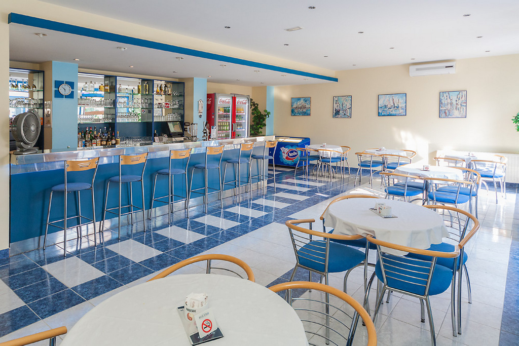 Ljetovanje-Biograd-Hotel-Bolero-bar-1