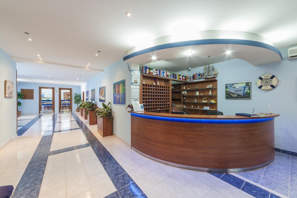Ljetovanje-Biograd-Hotel-Bolero-recepcija