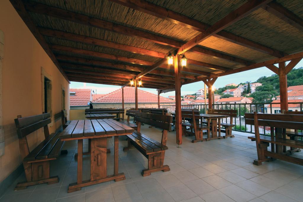 Ljetovanje-Dugi-otok-Hotel-Sali-restoran-4
