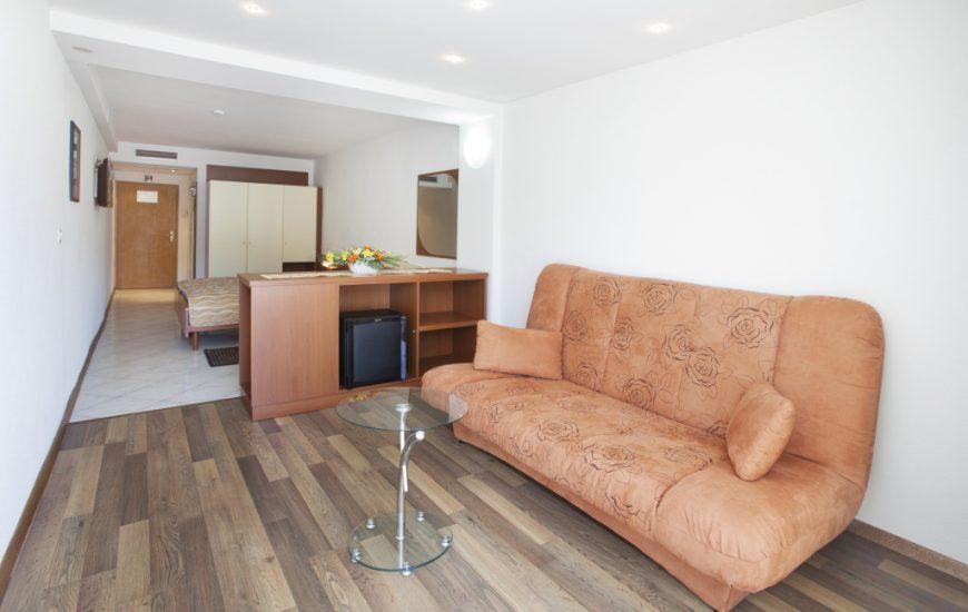 Ljetovanje-Rabac-Hotel-Narcis-soba-6-870x550