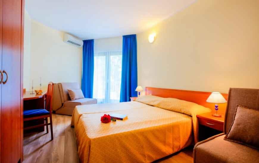 Resort-Centinera-Banjole-soba2-870x550