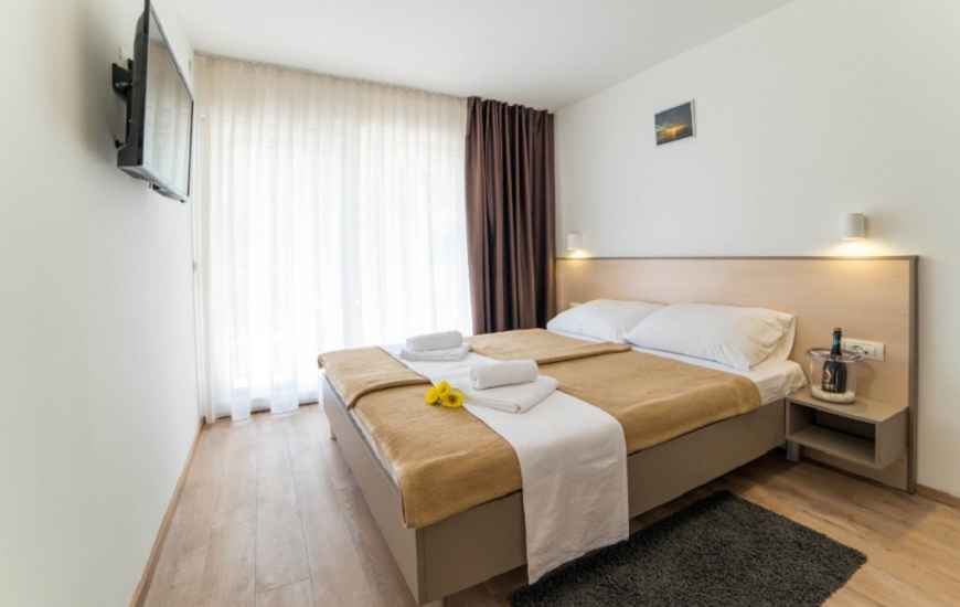 Resort-Centinera-Banjole-soba4-870x550