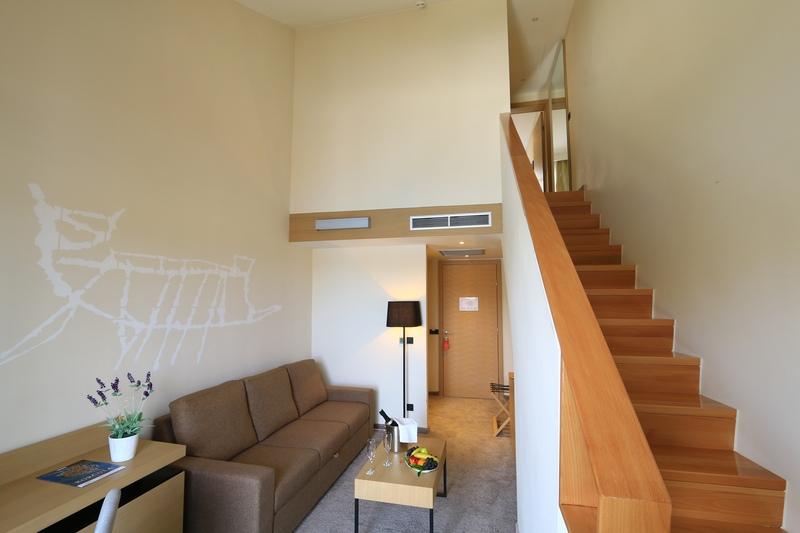 korcula_hotel_liburna_junior_suite_soba_balkon_2