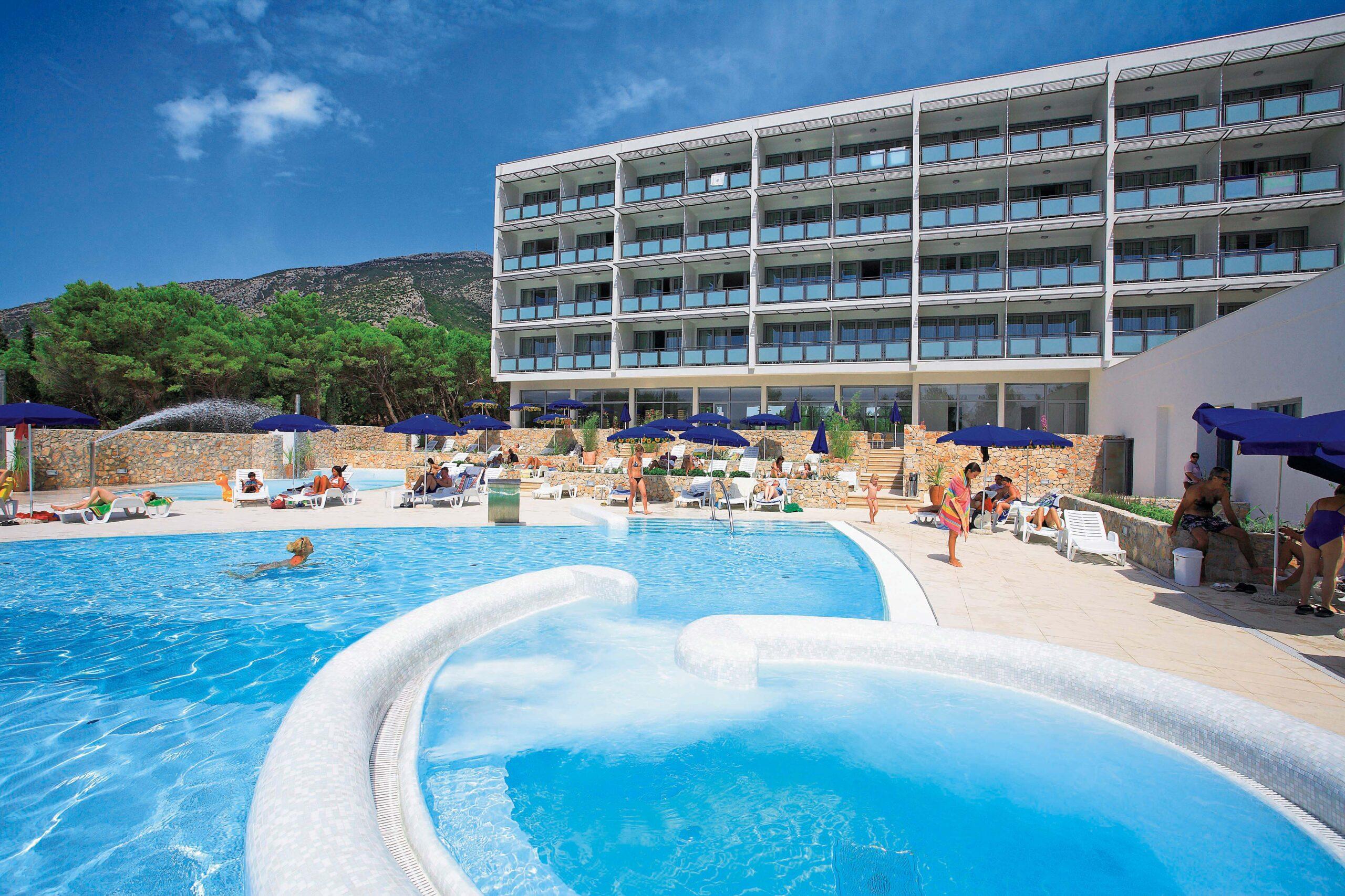 01 Hotel_Elaphusa - Swimming_Pool (8)