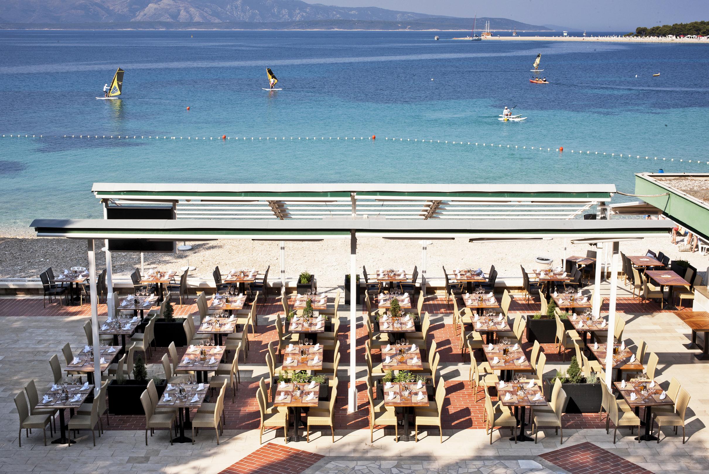 08 Bol_Borak_Beach_Restaurant (2)